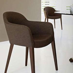 Muebles sobre dise o habitat design quer taro for Sillas italianas modernas